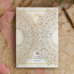 Ivory Doily Elegance Stationery card